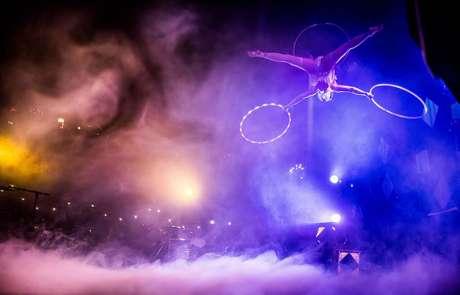 Vau de Vire Entertainment - aerial performance